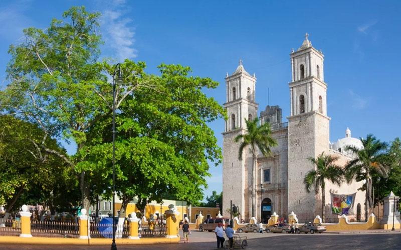 собор Сан-Идельфонсо в Мериде