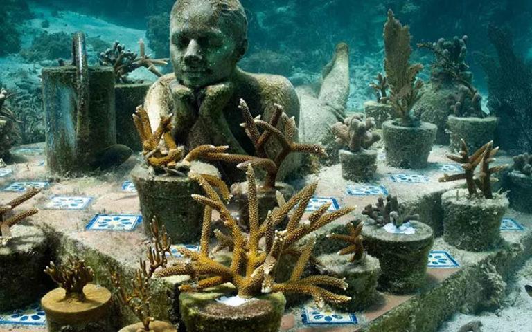 Подводный музей в Мексике