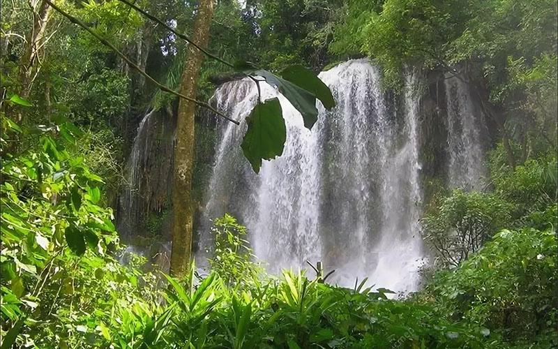 натуральный бассейн «Калета Буэна»