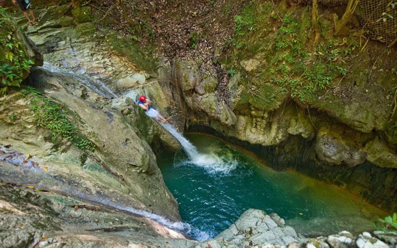 27 водопадов Дамахагуа в Доминикане